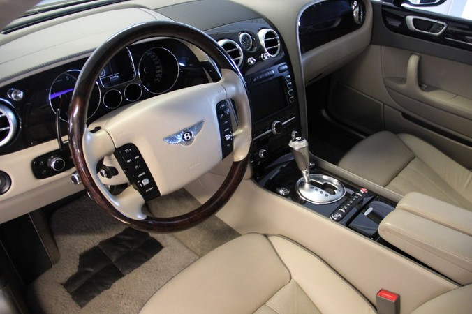 BENTLEY Continental Flying Spur 6.0